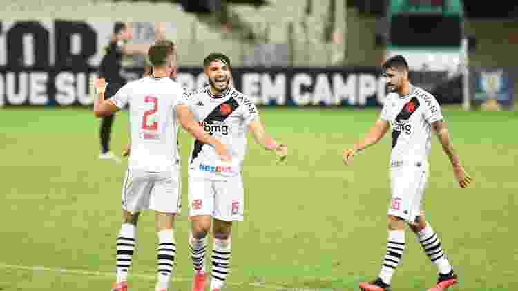 Jogadores do Vasco comemoram vitória contra o Ceará - Kely Pereira/AGIF - Kely Pereira/AGIF