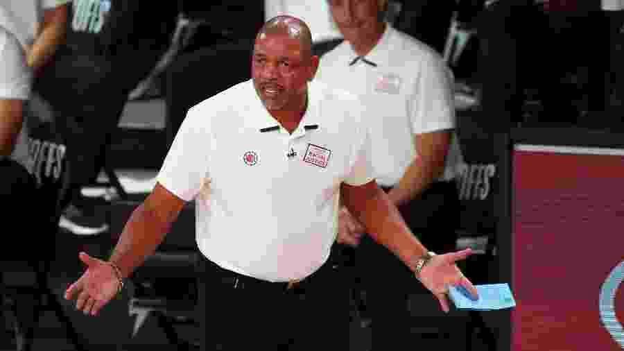 Treinador Doc Rivers no comando do Los Angeles Clippers - Pool/Getty Images