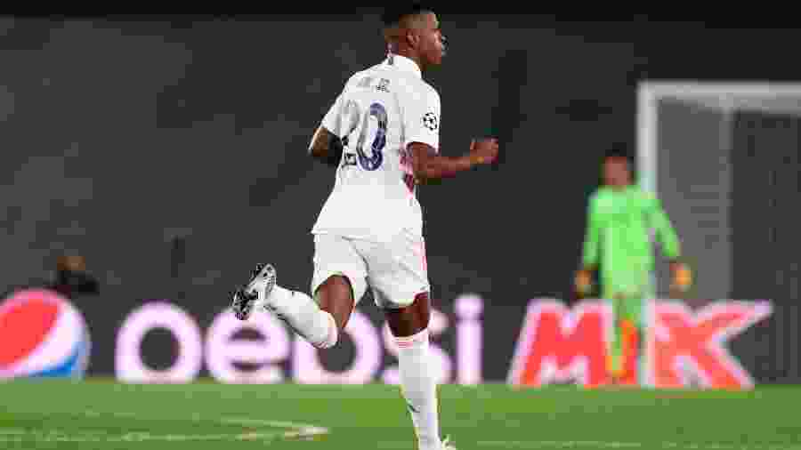 Vinicius Junior comemora gol do Real Madrid sobre o Shakhtar Donetsk - EFE/JuanJo Martín