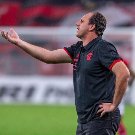 Rogério Ceni orienta time do Flamengo - Marcelo Cortes/Flamengo