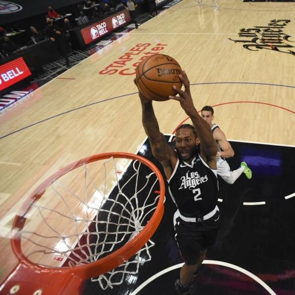 Kawhi Leonard, durante partida entre Los Angeles Clippers e Dallas Mavericks
