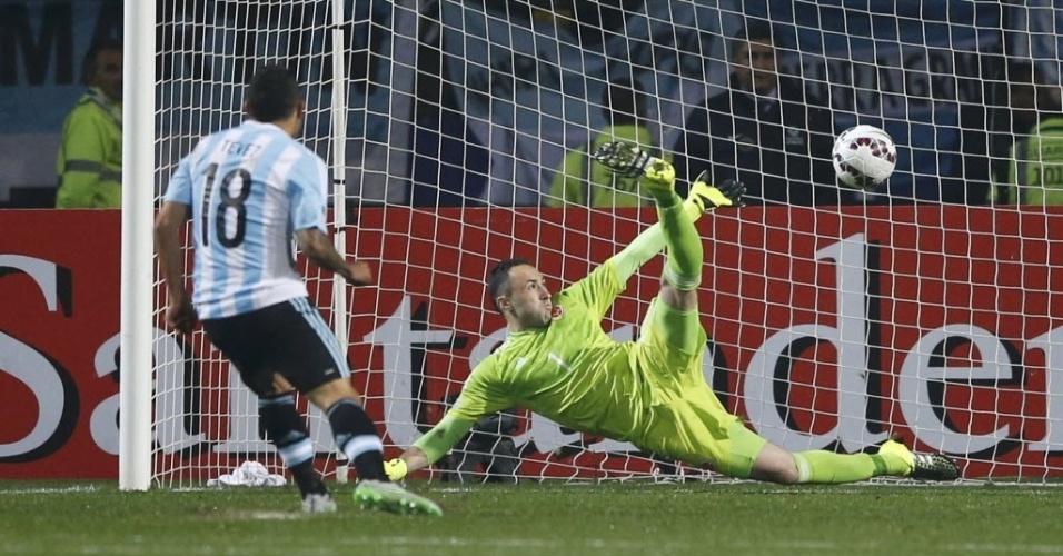 Tevez converte pênalti contra Colômbia e classifica Argentina para as semifinais da Copa América