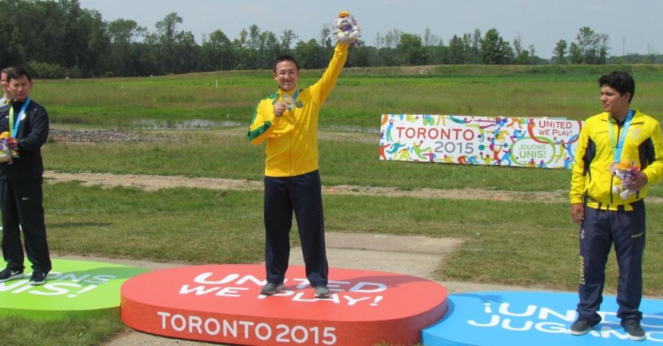 Felipe Wu é medalha de ouro para o Brasil, no tiro, em Toronto