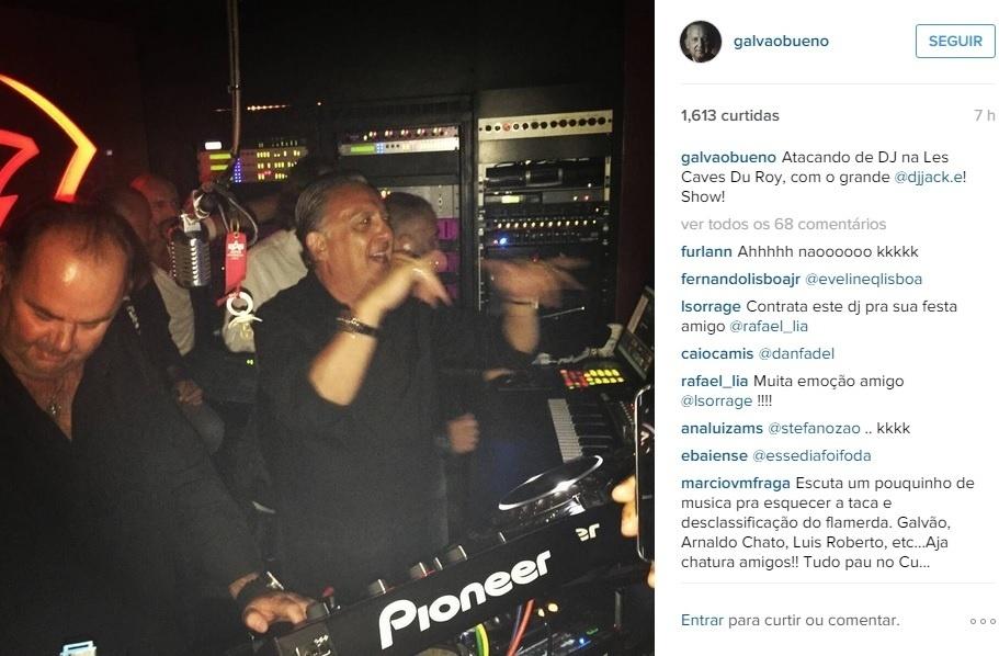 Galvão Bueno ataca de DJ na França