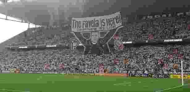Torcida do Corinthians faz homenagem para Tite antes de jogo contra o Avaí - Robson Ventura-6.dez.2015/Folhapress - Robson Ventura-6.dez.2015/Folhapress