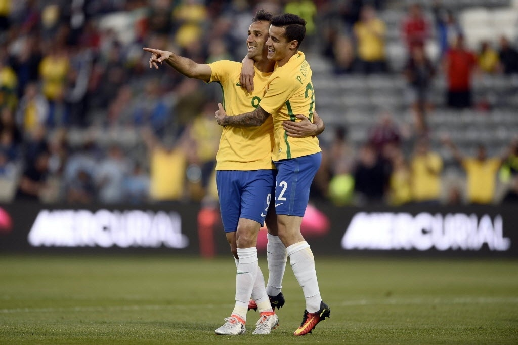 Jonas comemora gol da seleção brasileiro em amistoso preparatório à Copa América