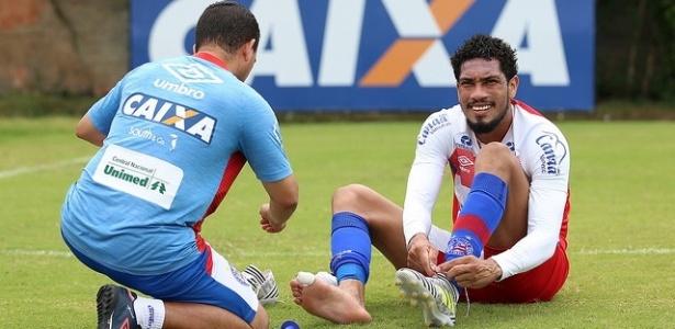 """Hernane """"Brocador"""" sofreu fratura na tíbia em abril e deve retornar contra o Atlético-GO"""