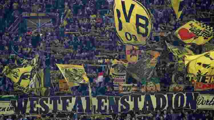 Torcida do Borussia Dortmund faz festa para apoiar o time no Signal Iduna Park - Wolfgang Rattay/Reuters - Wolfgang Rattay/Reuters