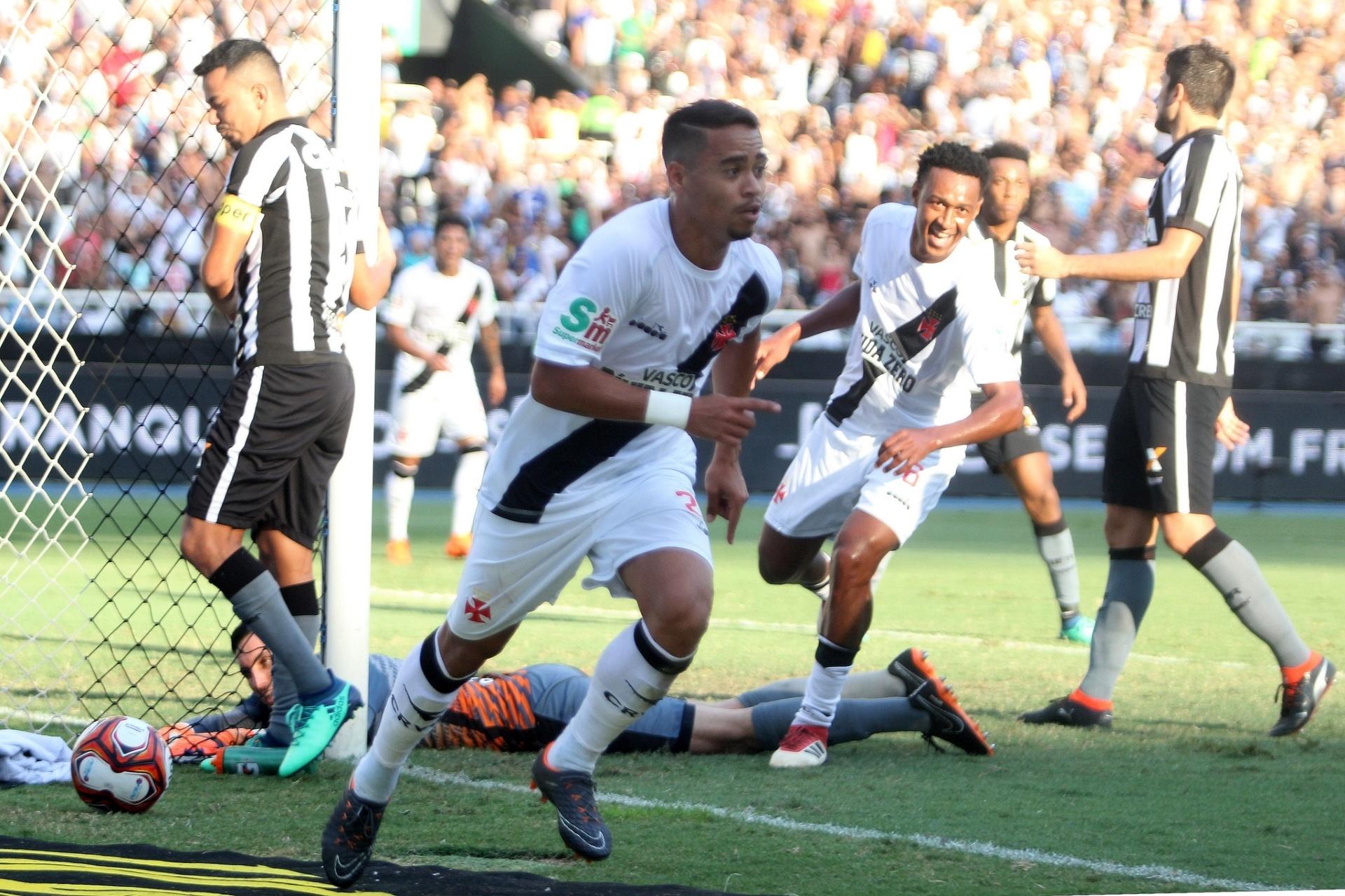 Vasco vence Botafogo com gol no último minuto e abre vantagem na final -  01 04 2018 - UOL Esporte 46359c33207cf