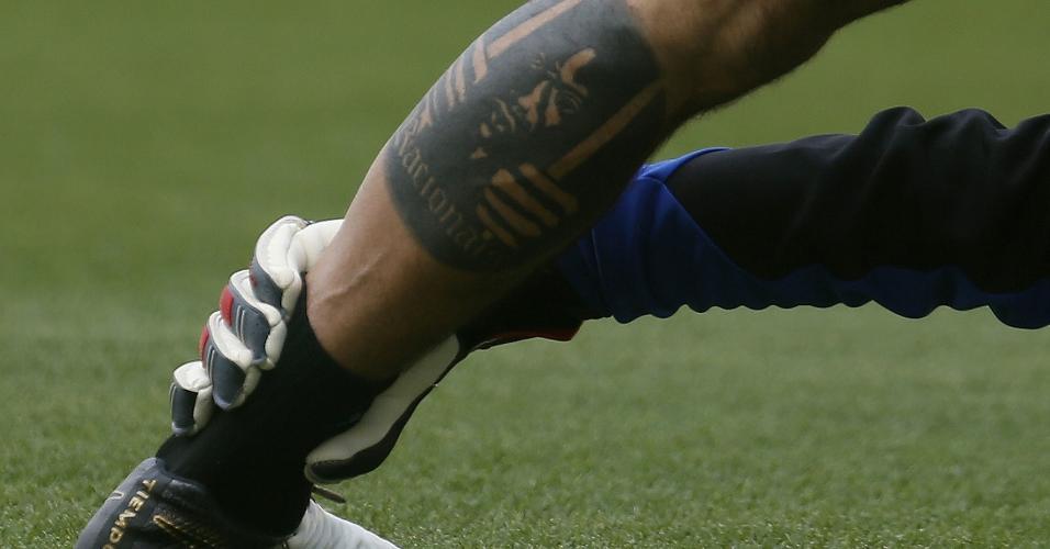Diego Cavalieri é muito fã dos Racionais e decidiu fazer tatuagem em homenagem