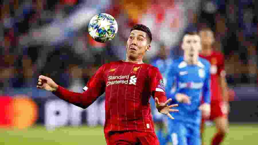 Firmino deu uma assistência e participou do terceiro gol do Liverpool sobre o Genk - REUTERS/Francois Lenoir