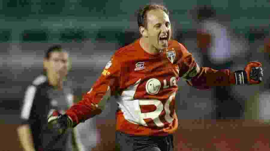 Rogério Ceni comemora gol sobre o River Plate em 2005 - Mauricio Lima/AFP