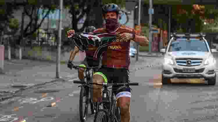 Atacante Fred chega à sede do Fluminense de bicicleta - Lucas Merçon / Fluminense F.C. - Lucas Merçon / Fluminense F.C.