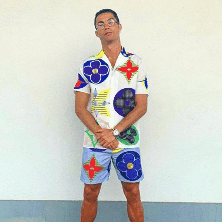 Cristiano Ronaldo posou com um look colorido após vitória da Juventus - Reprodução / Instagram