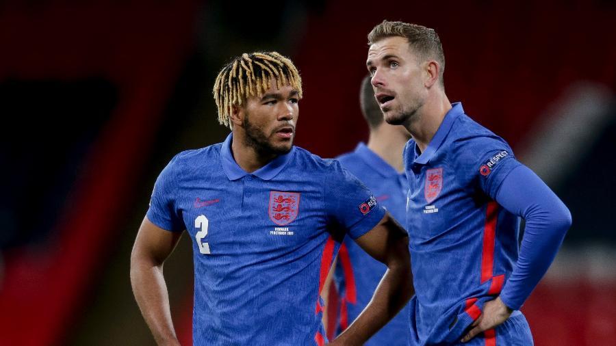 Reece James (esq.) e Jordan Henderson, durante jogo da seleção inglesa - Robin Jones/Getty Images