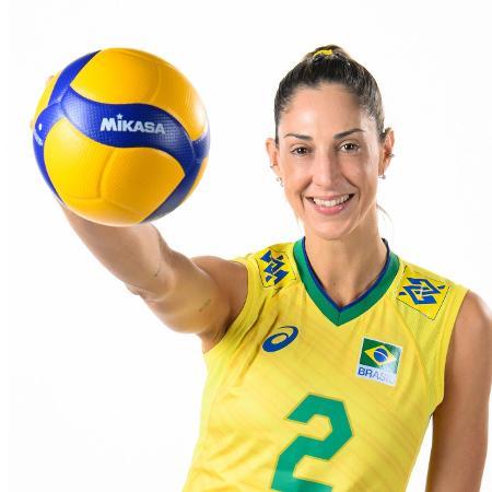 Carol Gattaz, central da seleção brasileira de vôlei - Divulgação/FIVB