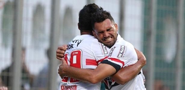 Gilberto comemora seu primeiro gol com a camisa do São Paulo - Rubens Chiri/São Paulo FC