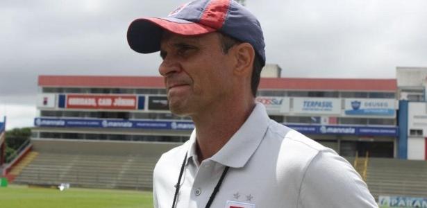 Wagner Lopes comanda treino do Paraná Clube na última terça-feira