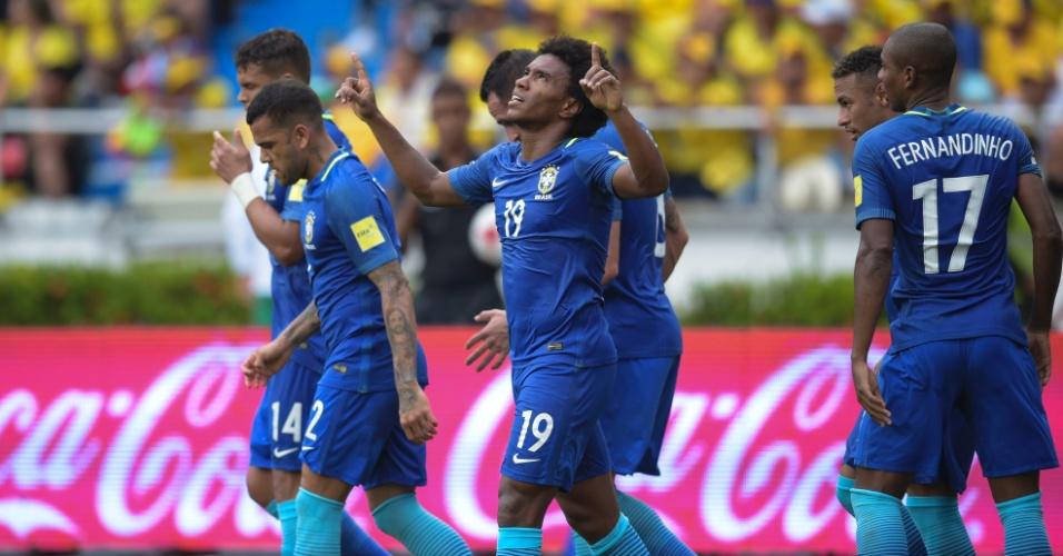 William comemora gol do Brasil contra a Colômbia pelas Eliminatórias