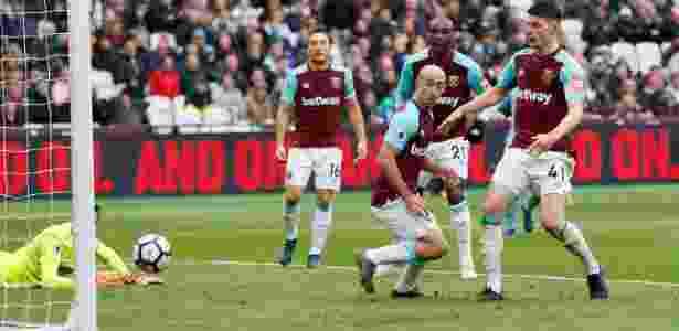 Trapalhada da zaga do West Ham e Declan Rice faz gol contra - DAVID KLEIN/REUTERS - DAVID KLEIN/REUTERS