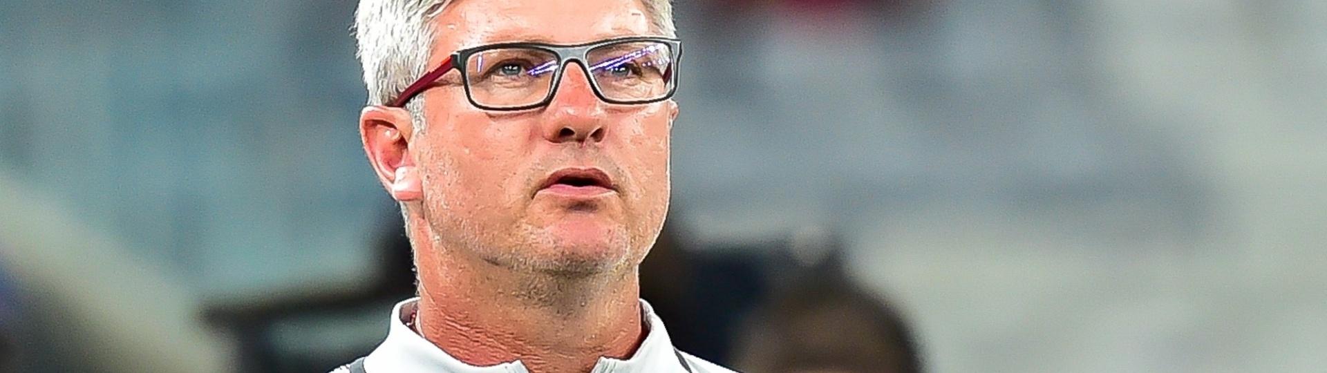Odair Hellmann, técnico do Internacional, durante o jogo contra o Atlético-PR