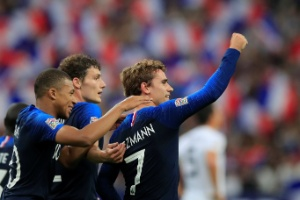ec670870be França na Copa 2018  Ibrahimovic critica técnico da França por ...