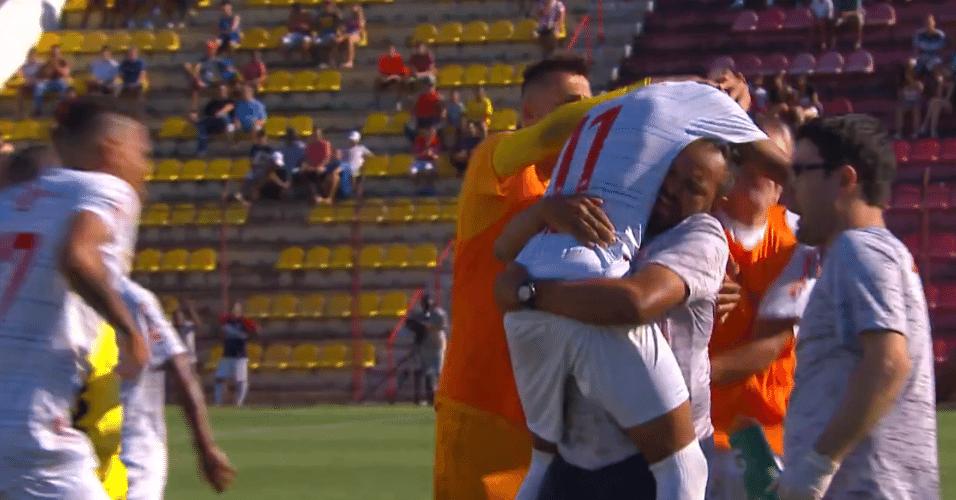 Jogadores do Audax comemoram gol contra o Fluminense