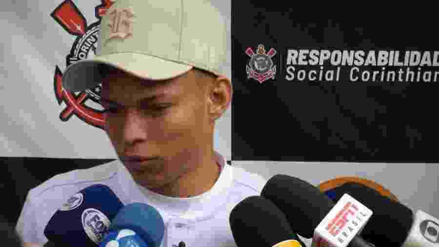 Atacante de 20 anos atuou nove vezes pelo time profissional, sendo um jogo como titular, e persegue o primeiro gol - Gabriel Carneiro/UOL Esporte