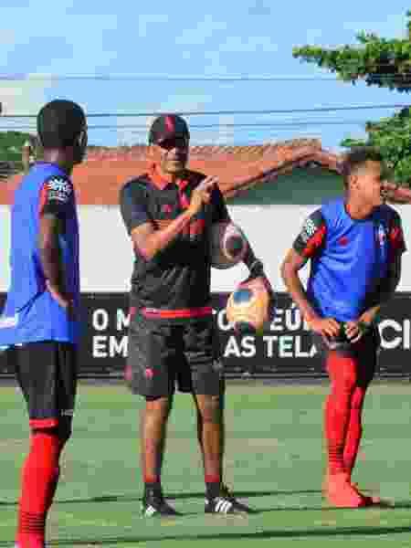 Técnico Cristovão Borges comanda treino do Atlético-GO - Paulo Marcos / Assessoria ACG - Paulo Marcos / Assessoria ACG