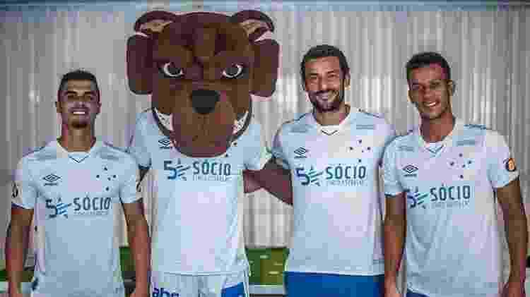 Egídio, Fred e Henrique em apresentação do uniforme 2 do Cruzeiro para 2019 - Divulgação Cruzeiro - Divulgação Cruzeiro