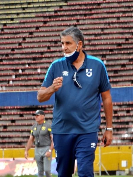 Em três dias, técnico Santiago Escobar disputa Libertadores e começa radioterapia - Reprodução/Twitter