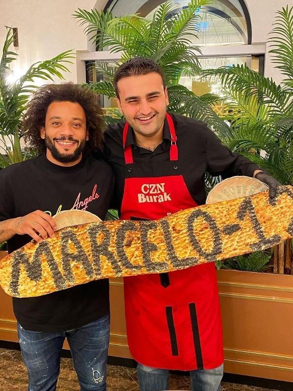 Marcelo visita restaurante de chef turco Burak O?zdemir