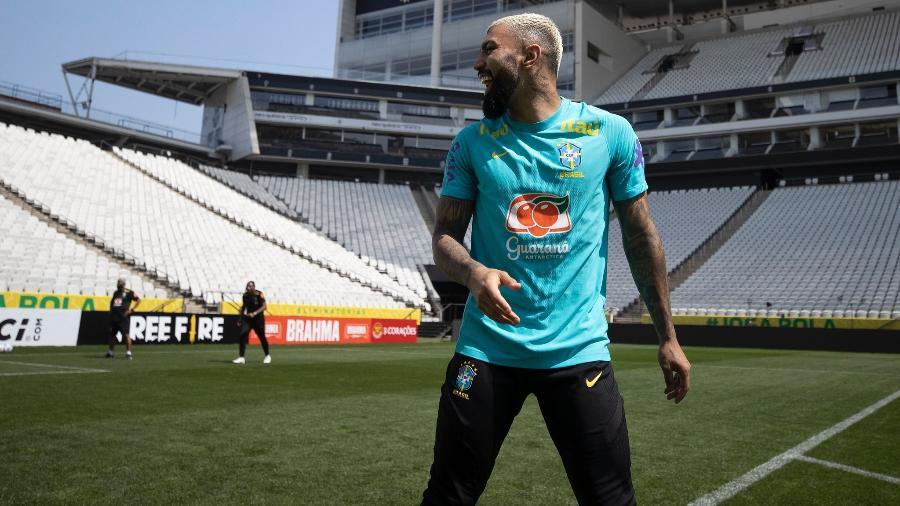Tenho mesma liberdade no Flamengo e na seleção, rebate Gabigol após críticas
