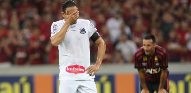 """Atacante está """"inconsolado"""" após ver o Santos recusar montante por sua liberação"""