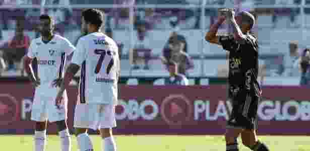 Wendel comemora gol da Ponte Preta contra o Fluminense - Rodrigo Gazzanel/Estadão Conteúdo - Rodrigo Gazzanel/Estadão Conteúdo