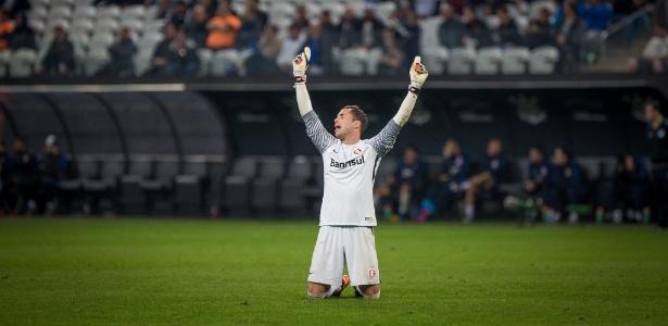 Herói contra o Corinthians, Marcelo Lomba se lesionou no jogo seguinte e fará sacrifício - Ronny Santos/Folhapress