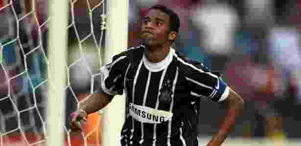 Samsung estava no peito do Corinthians em ano de rebaixamento (mas de título também) - Diego Padgurschi/Folha Imagem