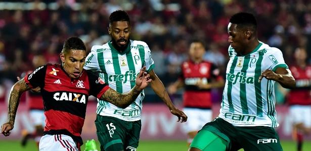 Guerrero, suspenso pela Fifa, simboliza a frustração flamenguista neste fim de ano