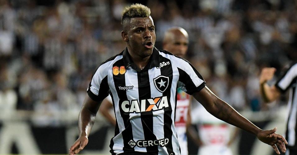 Marcos Vinicius comemora gol do Botafogo sobre a Portuguesa-RJ
