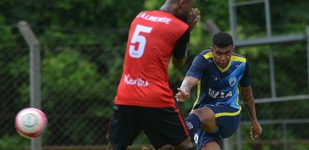 Alex Apolinário deixou o Londrina para defender o Atlético