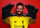 Confira os bastidores do primeiro dia de Alisson como jogador do Liverpool - Andrew Powell