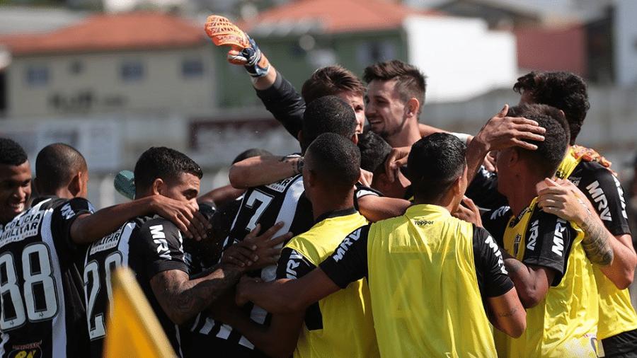 Jogadores do Atlético-MG comemoram gol contra a Caldense - Divulgação