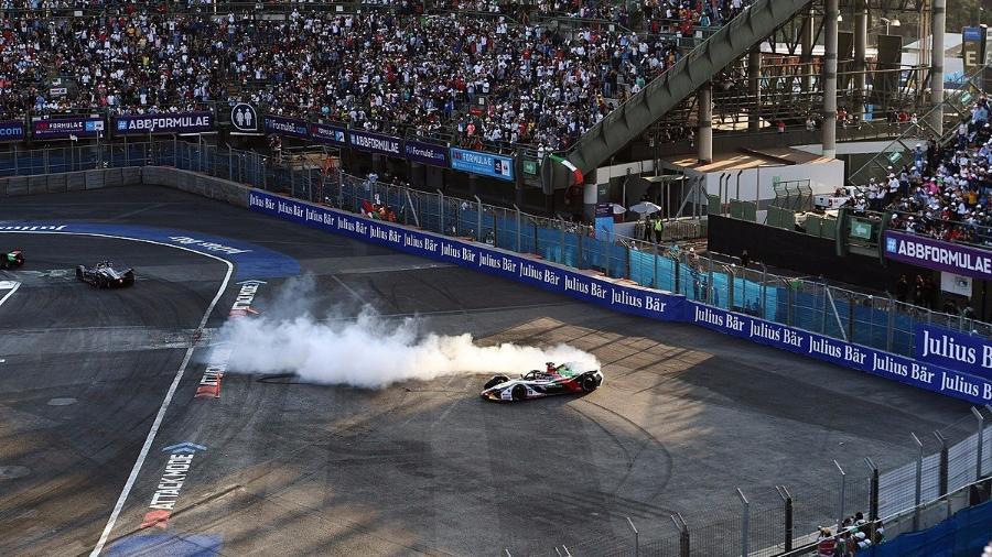Lucas di Grassi comemora vitória na etapa do México na Fórmula E - Divulgação/Fórmula E