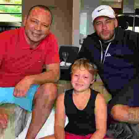 Neymar posta foto com pai e filho no Dia dos Pais - Reprodução