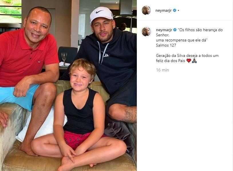 Neymar posta foto com pai e filho no Dia dos Pais