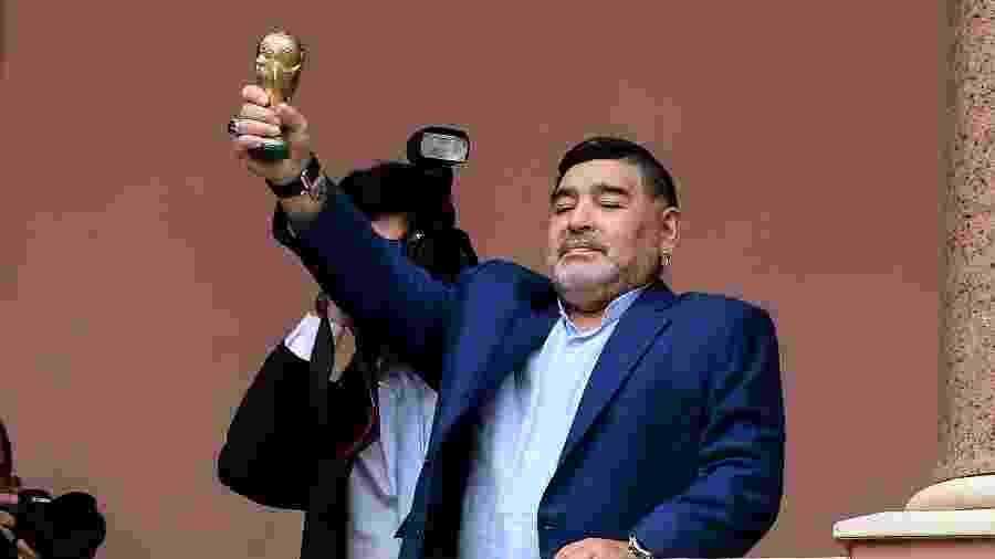 Maradona tem histórico de problemas no coração, sendo mais suscetível para contrair a infecção - RONALDO SCHEMIDT / AFP