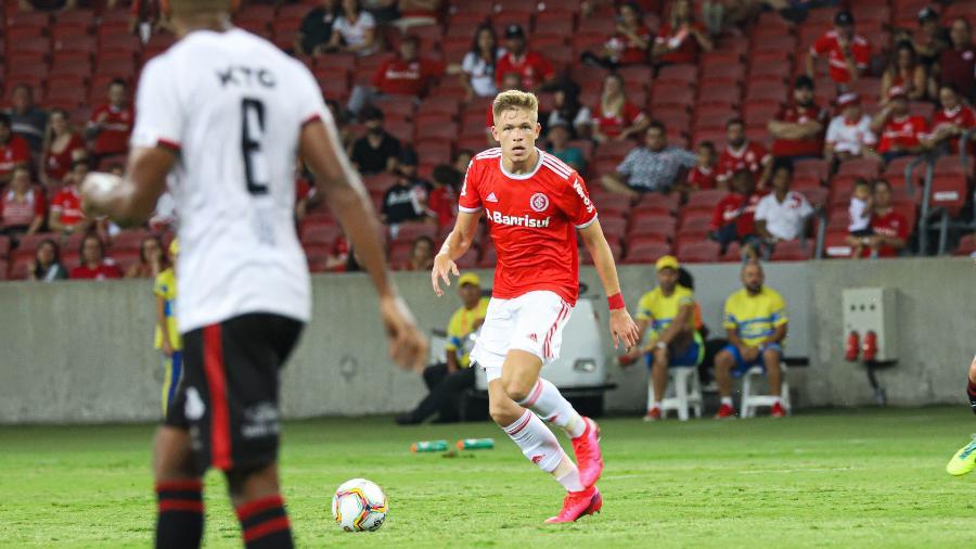 Bruno Fuchs pode deixar o Inter para atuar no futebol da Rússia pelo CSKA Moscou - Maxi Franzoi/AGIF