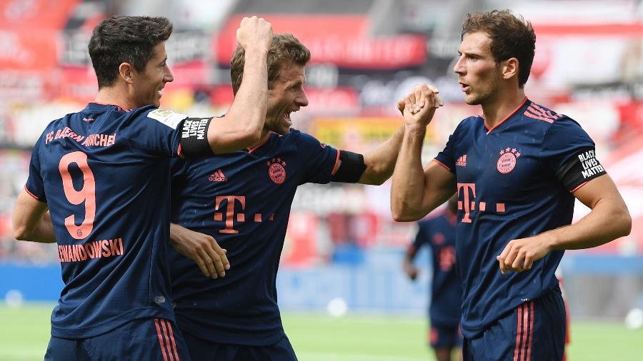 Robert Lewandowski comemora gol do Bayern de Munique; futebol já voltou na Alemanha - Matthias Hangst/AFP