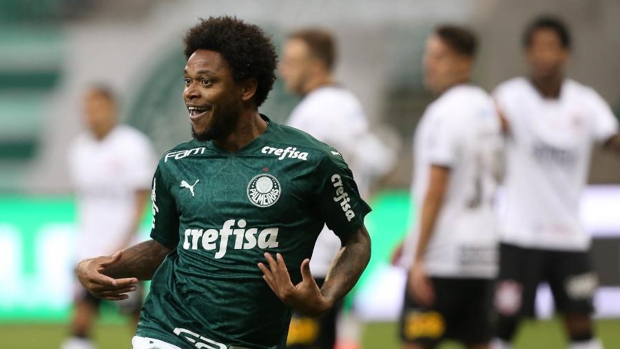 Luiz Adriano comemora gol no clássico entre Palmeiras e Corinthians na final do Paulista - Cesar Greco/Palmeiras