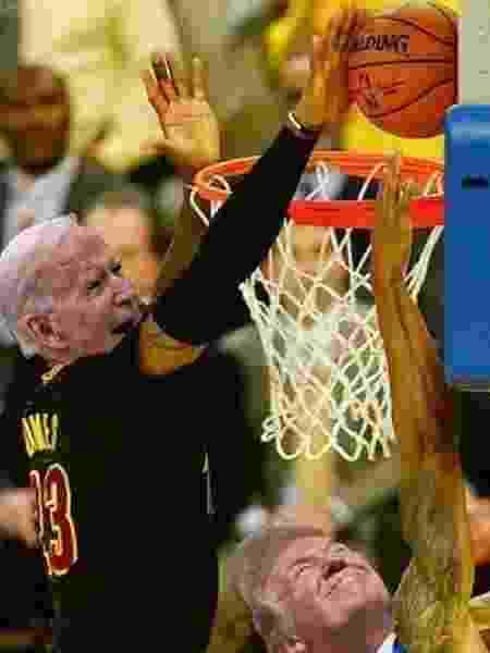 LeBron James comemora vitória de Biden nas eleições com meme - Reprodução